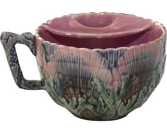 Rare Majolica Etruscan Shell and Seaweed Moustache Cup 19th Century