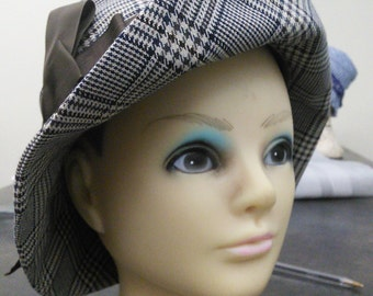 Hat with satin ribbon