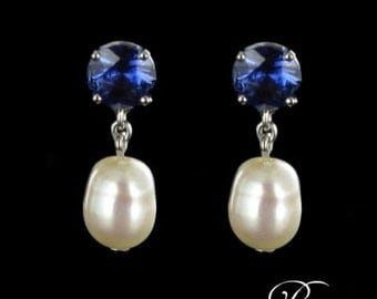White Gold 18K modern sapphires pearls earrings