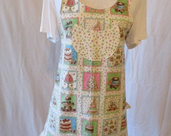 CLEARANCE   Women's Bonnie Style Apron, Cakes on cream bubble print