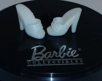 BARBIE White Shoes - Open toe Mule - 1980s