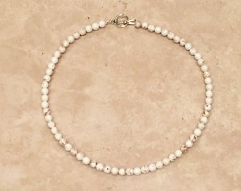 sand off-white choker necklace