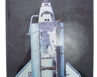 Space Shuttle Illustrated Hardcover Book Bill Yenne 1986 1st Edition