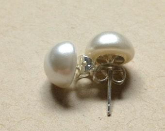 Vintage Pearl Button Earrings