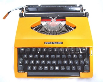 Sperry Remington, 1970, yellow typewriter, in working state, portable typewriter, sperry remington 10/50.