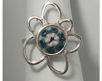 Petal ring made in 925 Silver with hand-painted ceramic piece