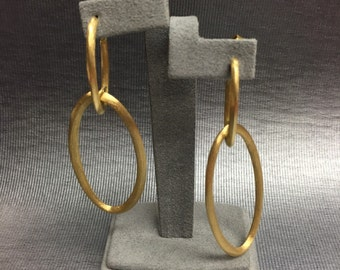 Satin finish Yellow Gold Oval Earrings