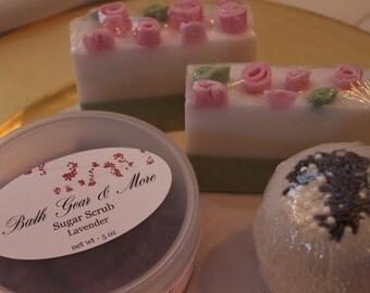 Bath Products Gift Set, Lavender Essential Oil Gift Set, Organic Sugar Scrub, Handmade Glycerin Soap, Bath Bomb, Mother's Day Gift Set