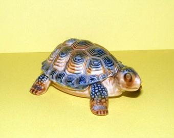 A Vintage Wade Tortoise Trinket Box Figurine,