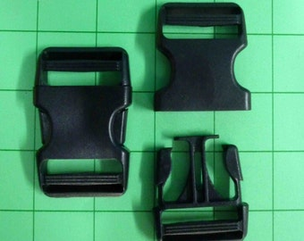 Side Release Buckels 1 & 1/4 in / 32 mm Black Plastic Set of 2