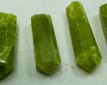 6 pieces Beautiful Green Colour Serfentine Crystals