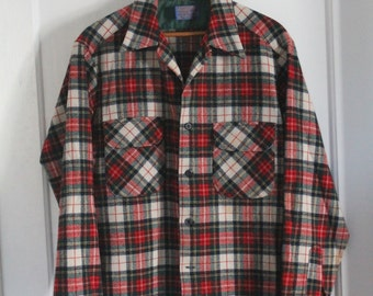 Pendleton Tartan Plaid Vintage Men's Shirt - Medium - Virgin Wool - Made in USA