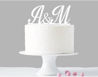 Cake for Cake Topper personalized with initials of names
