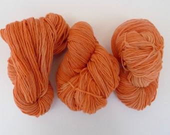 Wool yarn hand dyed with natural plant dyes - Light coral