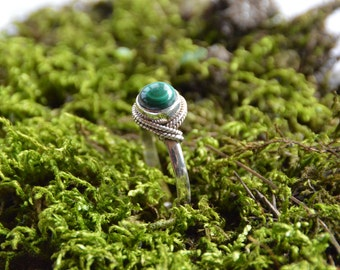 Delicate Malachite Sterling 925 Silver Ring - Artisan jewelry