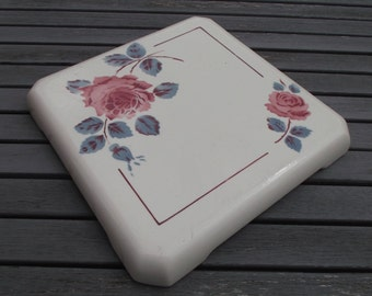 below flat former Badonviller, Fenal, model Monique - antique English porcelain trivet