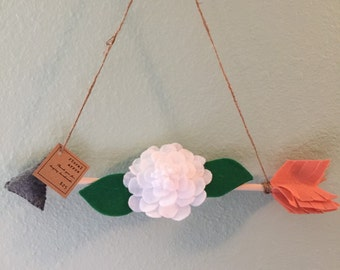 Floral arrow wall hanging