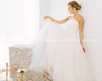 Hand Sewn Chantilly Lace Bodice With Delicate Guipure and Bead  Embroidery , French Tulle Skirt Ball gown