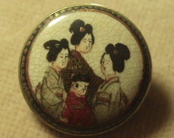 Victorian Satsuma Japanese Brooch With # ladies and a Boy