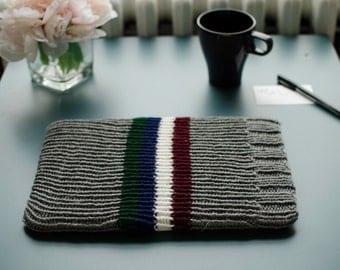 Knit laptop sleeve