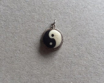 ying yang necklace antique