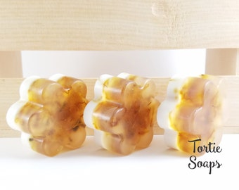 Handcrafted soap, Handmade Soap, Fresh Picked Pear, Honey and Double Butter, Glycerin soap, Refreshing Scent, Calendula Petals