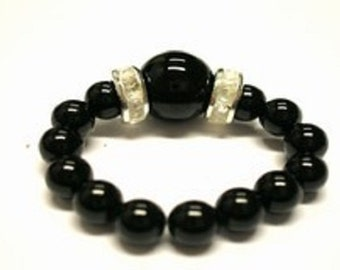 Onyx ring of 4mm beads with main ball 8 mm, flexible