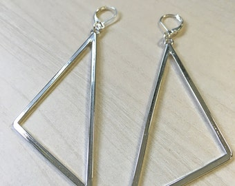 Graphic triangle earrings