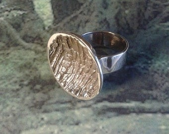 Curvecorce - made bronze ring hand - nature inspiration - bark - spirit of the forest.
