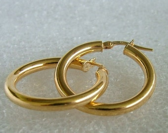 9 ct yellow gold hoop earrings