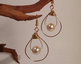 Pearl and Gold Teardrop Earrings