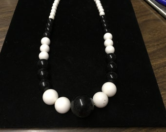 Vintage Beaded Necklace, Black and White