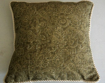 "MADD DECORATORS 15"" Green and Cream Paisley Pillow Set Pillow and Pillow Cover Corded Trim"