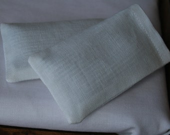 dollhouse miniature pillowcases, traditional white, fresh, 1:12 scale
