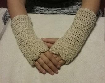 Crocheted gauntlets (fingerless gloves)