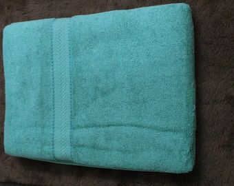 a honey dew color cotton bath towel,made from cotton,super absorbent,super soft,fast colors