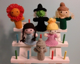 Crochet finger puppets, Wizard of Oz.