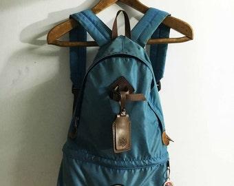 Walk around Vintage mountain backpack