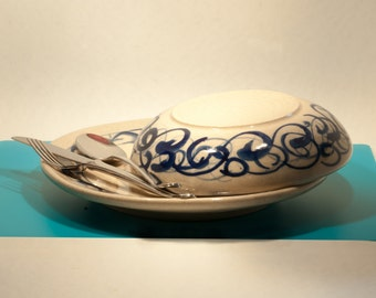 Porcelain dishes (dinner plate + bowl)