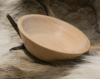 Medieval beech bowl