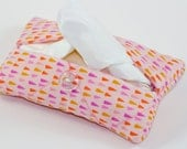 Quilted tissue pouch