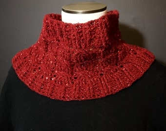 Sparkly Red Cabled Cowl