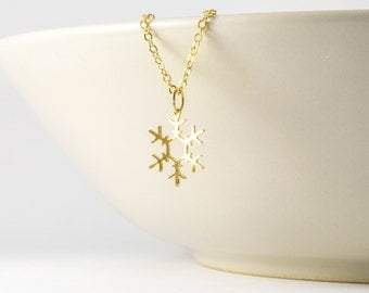 snowflake necklace, gold dainty snowflake necklace, tiny dainty necklaces gift, tiny dainty necklace mom gift, dainty necklace, delicate