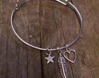 Extendable charm bracelet
