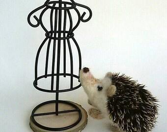 Needle felted Hedgehog, hedgehog wool sculpture, hedgehog fiber art, gift, home deco