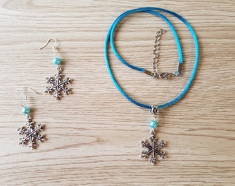 Snowflake Jewelry. Necklace and earrings Set