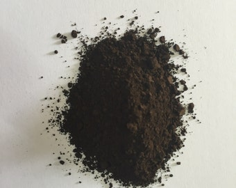 Burnt umber very dark pigment (30 grams).