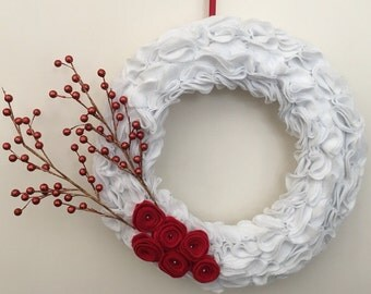 Customizable Felt Holiday Wreath