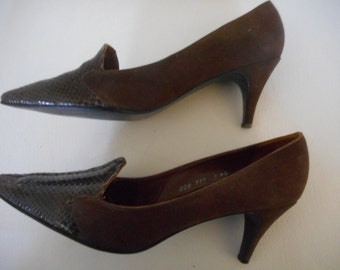 "Selecta Brand Women's Brown Suede Leather Classic Pumps 3"" Heel size 9 N Narrow"