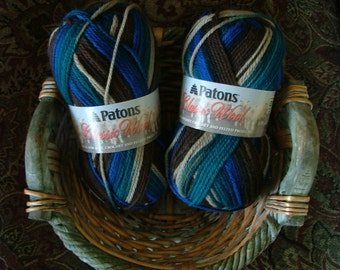 Patons Classic Wool Merino Made in Canada Color No 77733 Lot No 203279 Retro Crochet Knit